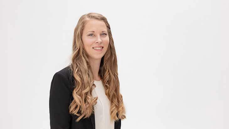 Karolin ist Projektkoordinatorin bei Kreditissimo.com